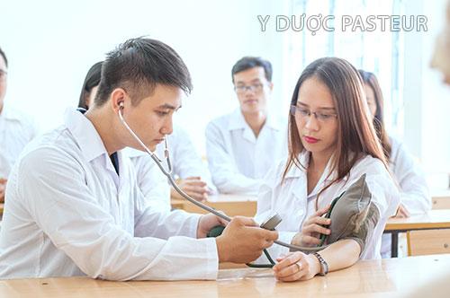 Tìm hiểu những điều cần biết về ngành điều dưỡng