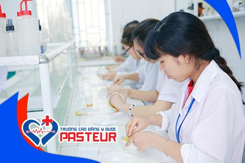 Học Cao đẳng Dược Pasteur Hà Nội ra trường làm những công việc gì?