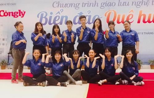Sinh viên Y Dược Pasteur tham gia Chương trình giao lưu nghệ thuật Biển đảo quê hương