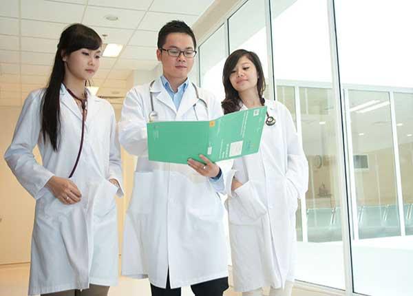 Từ năm 2021 ngành Y tế chỉ tuyển cán bộ trình độ Cao đẳng trở lên