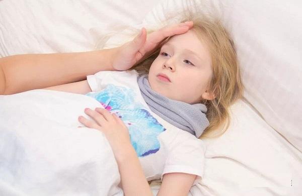 Dấu hiệu nhận biết trẻ mắc cúm A và khi nào cần đưa trẻ đi viện?