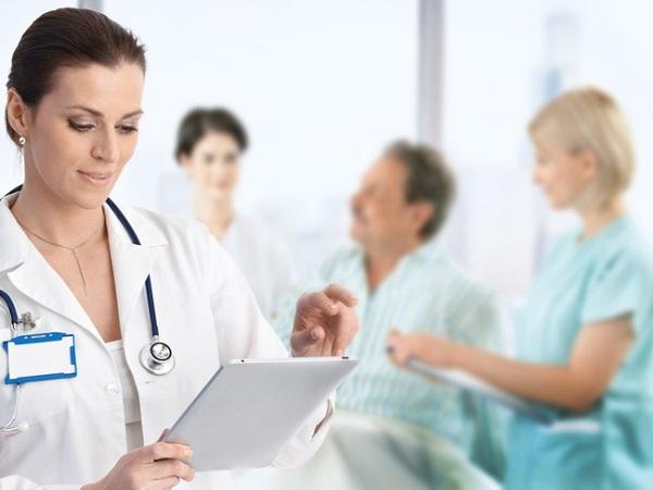 Công việc hàng ngày của Điều dưỡng viên tại bệnh viện là những gì?