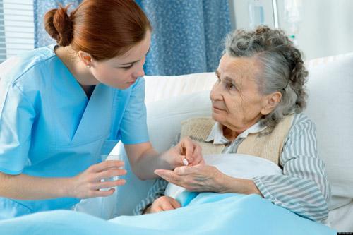 Muốn trở thành Điều dưỡng viên giỏi phải biết cam chịu và hi sinh