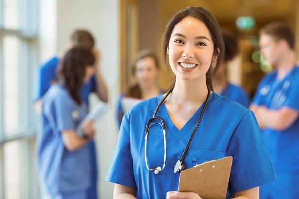 Điều dưỡng viên có bị thu hồi chứng chỉ hành nghề sau 3 năm không đi làm?