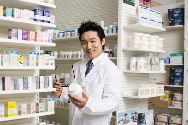 Dược sĩ có được mở quầy thuốc ngay sau khi tốt nghiệp ngành Dược?