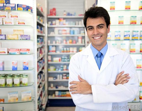 Trên 25 tuổi có quá muộn để theo học ngành Cao đẳng Dược hệ chính quy?