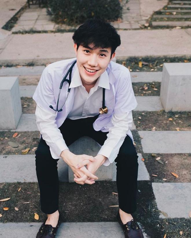 Khoảnh khắc gây sốt của chàng trai người Thái.
