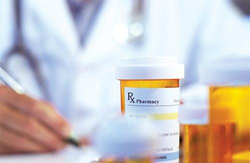 Dược sĩ hướng dẫn cách đọc đúng tờ hướng dẫn sử dụng thuốc