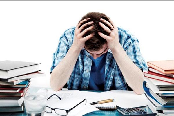 Áp lực thi cử lớn khiến thí sinh luôn cảm thấy mệt mỏi, căng thẳng