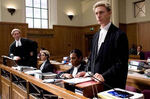 Luật sư cũng là ngành có mức thu nhập cao