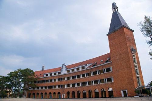 Lycée Yersin - Trường Cao đẳng Sư phạm Đà Lạt