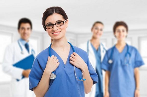 Lương khởi điểm cao, tuyển dụng ngành Y Dược vẫn cung không đủ cầu