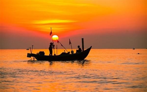 Chiếc thuyền ngoài xa là một trong những tác phẩm trọng tâm ôn thi THPT quốc gia