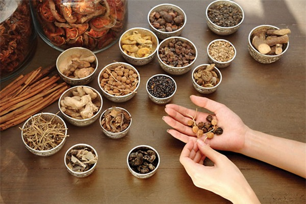 Danh mục thuốc thiết yếu Y học cổ truyền gồm những loại thuốc nào?
