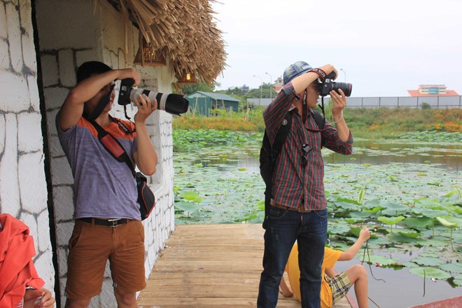 Trở thành thợ chụp ảnh cũng là công việc mà nhiều bạn sinh viên lựa chọn