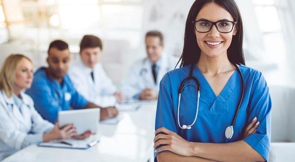 Sức hấp dẫn của ngành Điều dưỡng trong xã hội hiện đại