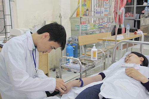 Theo học Văn bằng 2 Cao đẳng Điều dưỡng mở ra nhiều cơ hội việc làm cho sinh viên