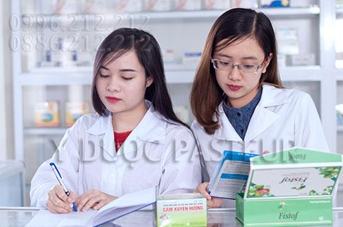 Trường Cao đẳng Y Dược Pasteur đào tạo Dược sĩ bán thuốc chuyên nghiệp