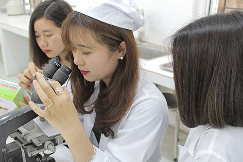 Theo học Văn bằng 2 Cao đẳng Xét nghiệm được thí sinh lựa chọn